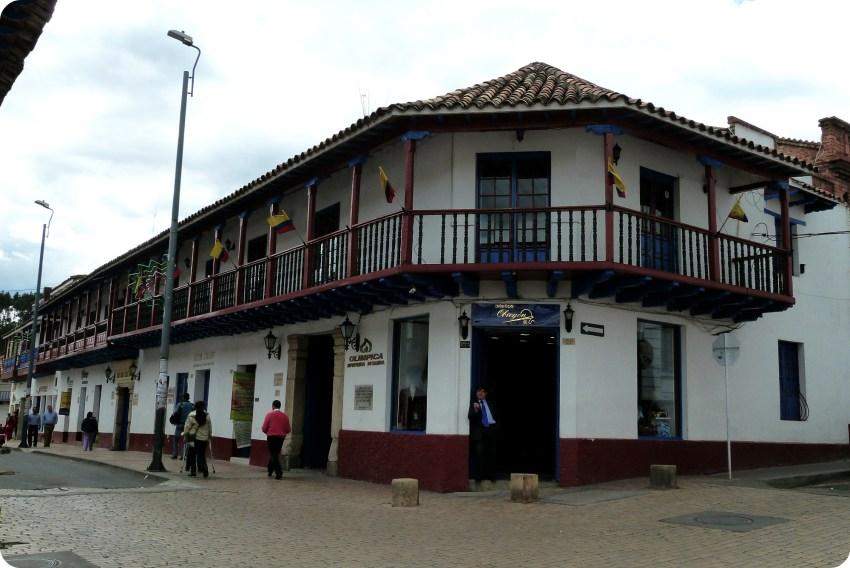 Edificio en una calle de Zipaquira