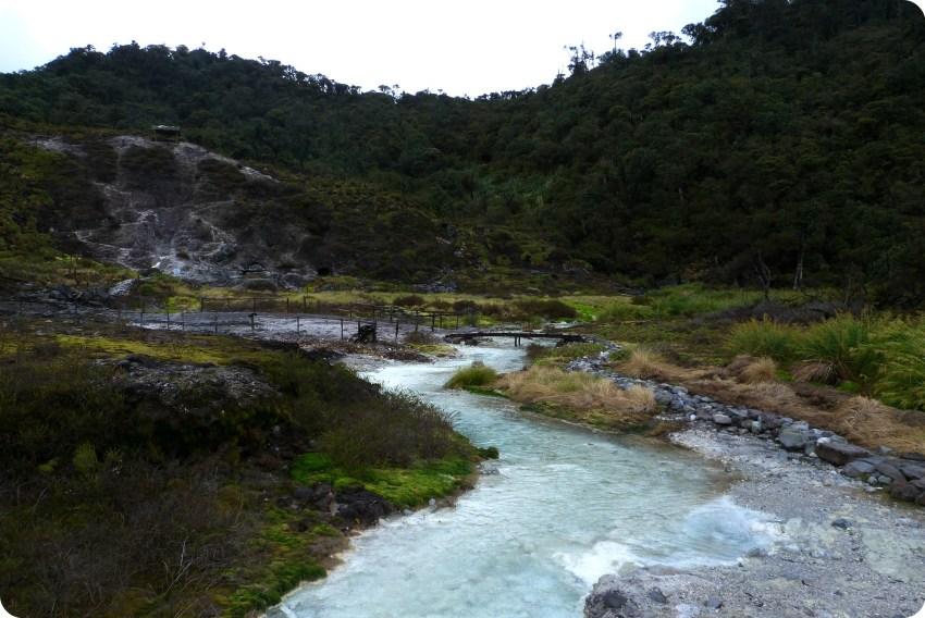 les thermes de san juan au parc naturel puracé