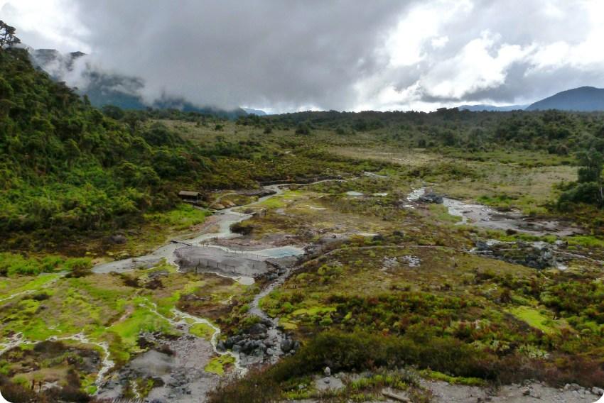 los termales de san juan vistos desde arriba en el parque natural Puracé