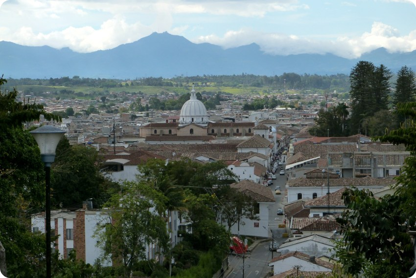 Vue sur la cathédrale de Popayán depuis Belén