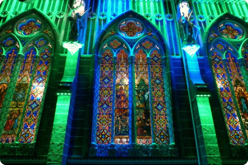 vitral del Santuario de las Lajas de Ipiales