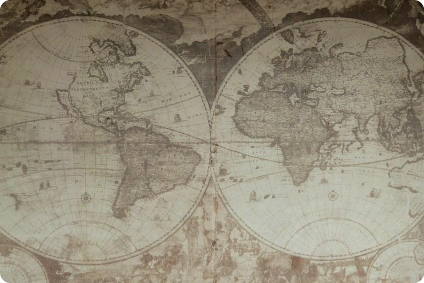 planisferio en una pared del museo arquidiocesano de Popayán