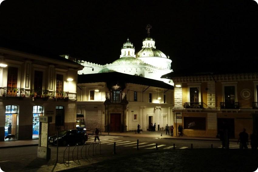 L'église de la Compañía de Jesús de Quito vue de nuit