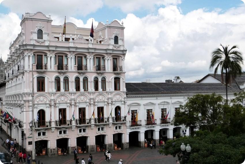 Hôtel sur la Plaza Grande de Quito cerca del Palacio Presidencial y de la Alcadía