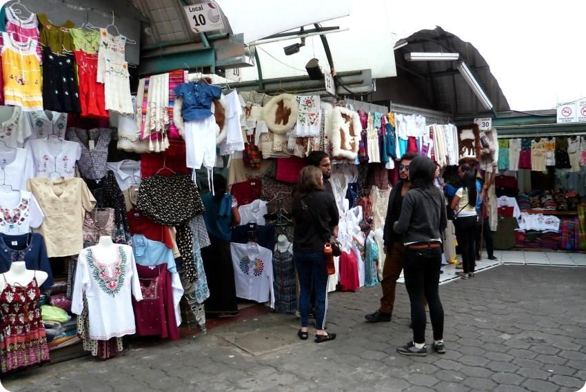 Mercado artesanal de la Mariscal de Quito