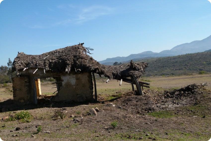 maison abandonnée sur le chemin vers le désert de la tatacoita de Nemocón