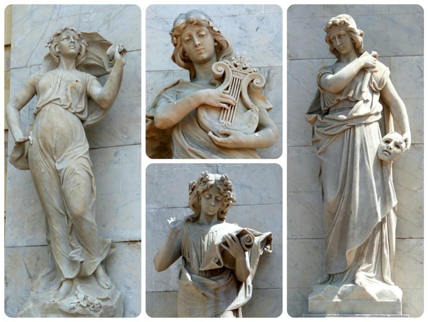 4 estatuas representadas sobre las paredes del teatro Heredia en Cartagena