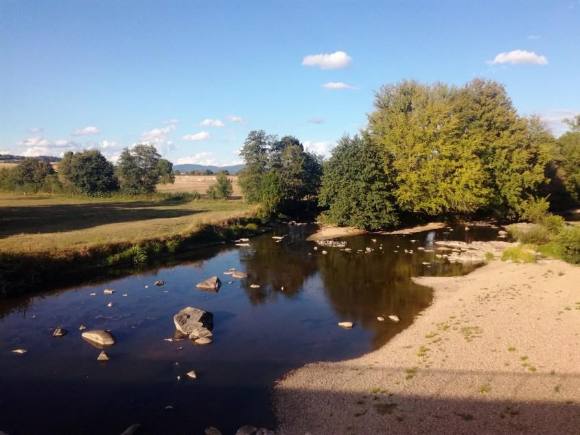 Saint-Nizier-sur-Arroux riviere bivouac voyage vélo saone et loire