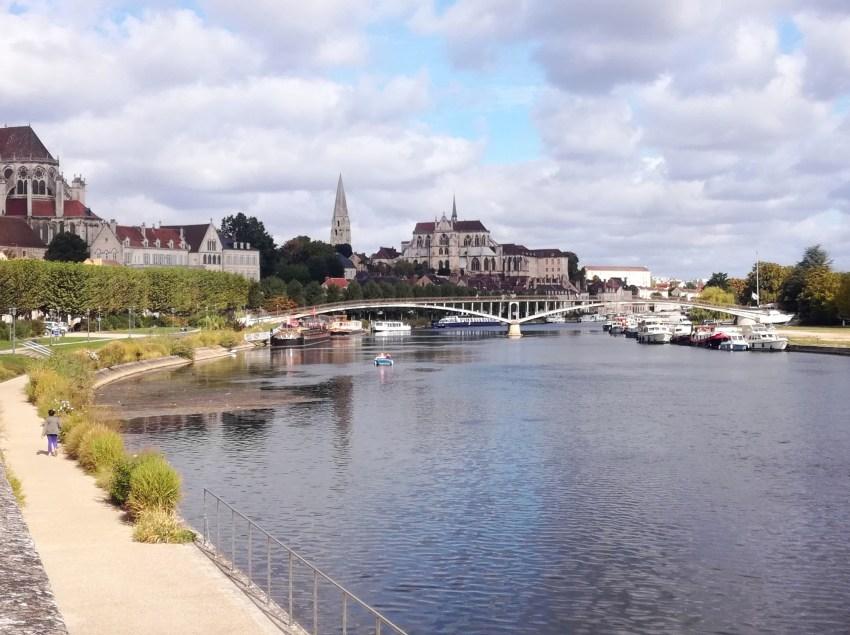 auxerre yonne voyage vélo ville riviere