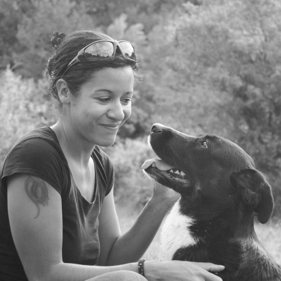 Instinct de Chien - Education, rééducation canine à domicile en Drôme Ardèche - Comportementaliste sur Montélimar et Aubenas - Complicité Maïko et Mélissa Ndongo