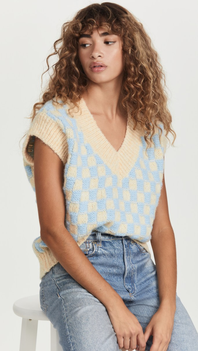 fall fashion trends: sweater vest