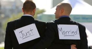 gayjust_married1-437x234.jpg