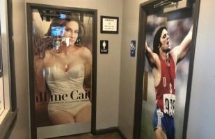 Dodies_Bathroom_Doors_Jenner.jpg