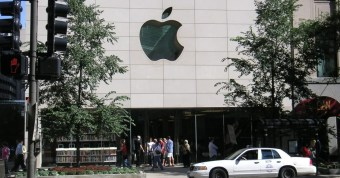 Apple_store_Michigan_Ave-2.jpg