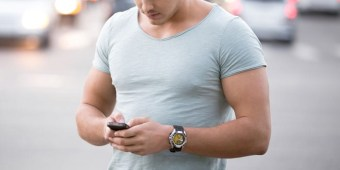 gay-on-smartphone-700.jpg
