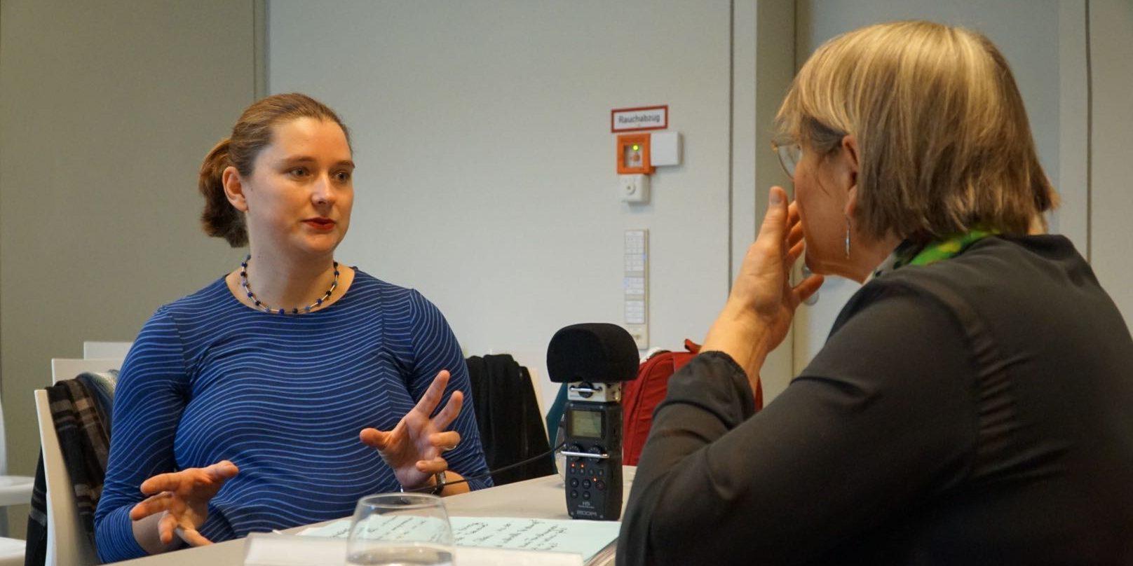 Dr. Lisa Unterberg im Gespräch mit Ulrike Mönch-Heinz