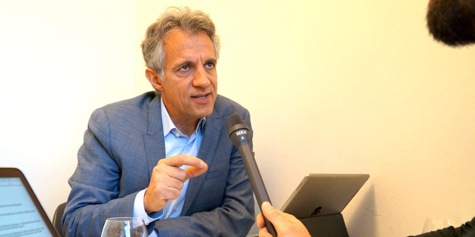 Dr. Jörg Dräger im Gespräch mit Florian Sochatzy bei der EduCouch