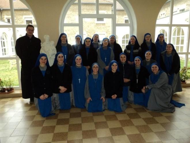 Las hermanas y el Padre predicador