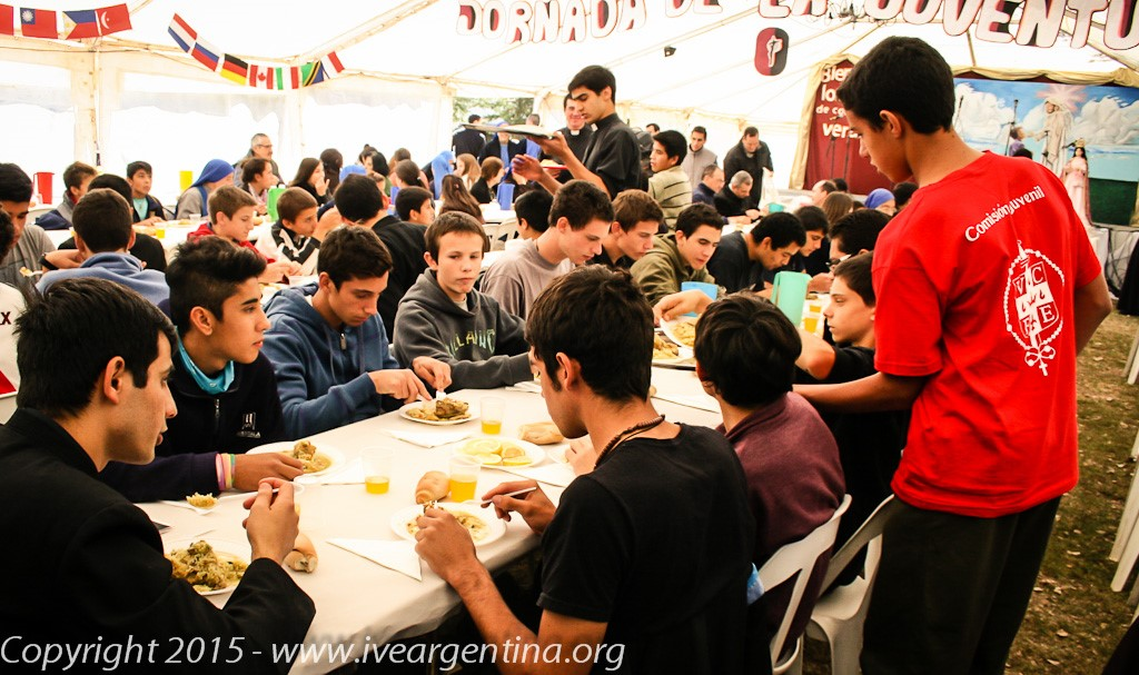 Institute of the incarnate word (ive) - youth day 03