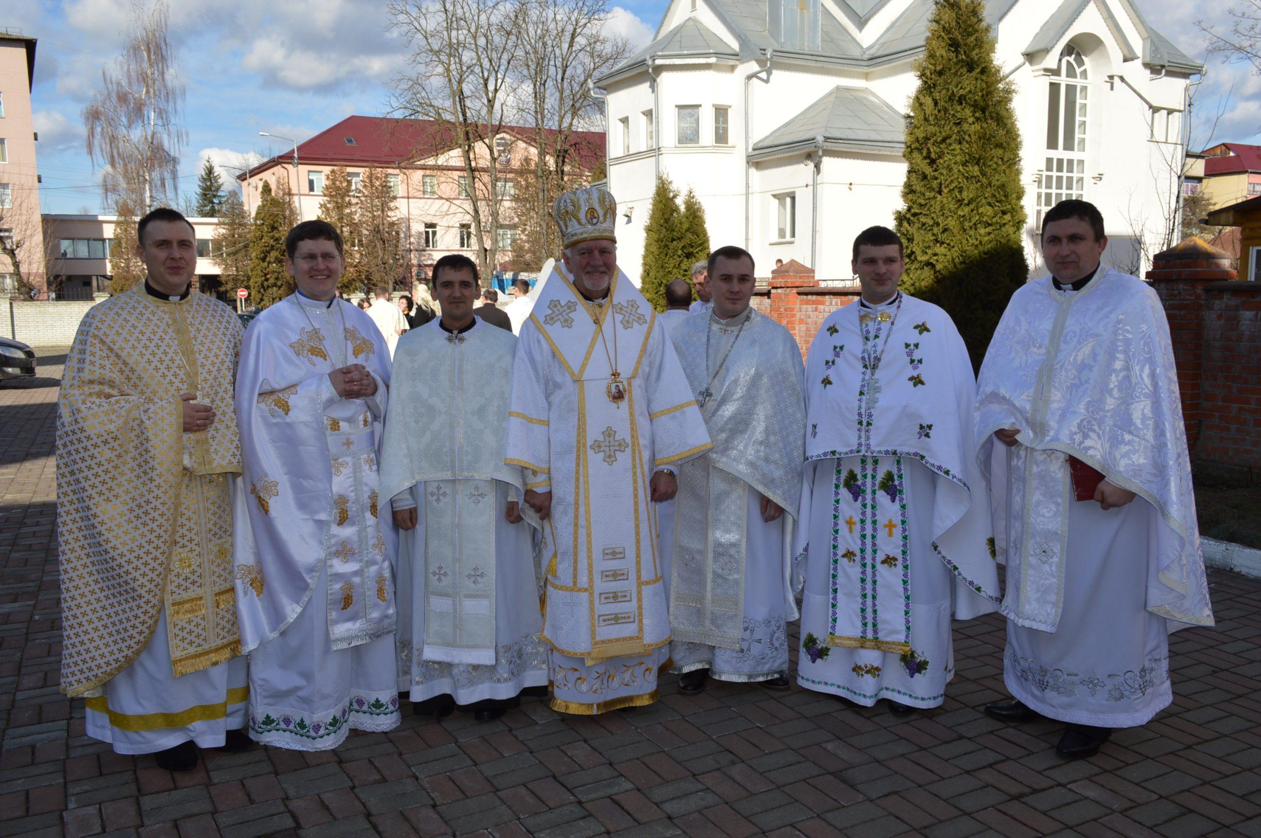Ordenacion Sacerdotal en Ucrania