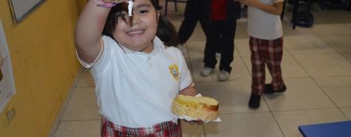Celebrando Nuestras Tradiciones, 6 Enero Día de Reyes.