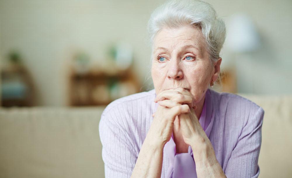 Até quando o idoso deve morar sozinho?