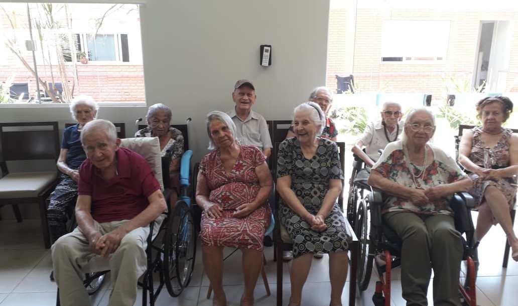 Solidão e isolamento social traz consequências negativas aos idosos