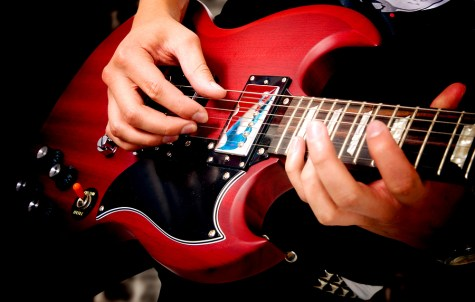 Tips for playing the electric guitar for beginners
