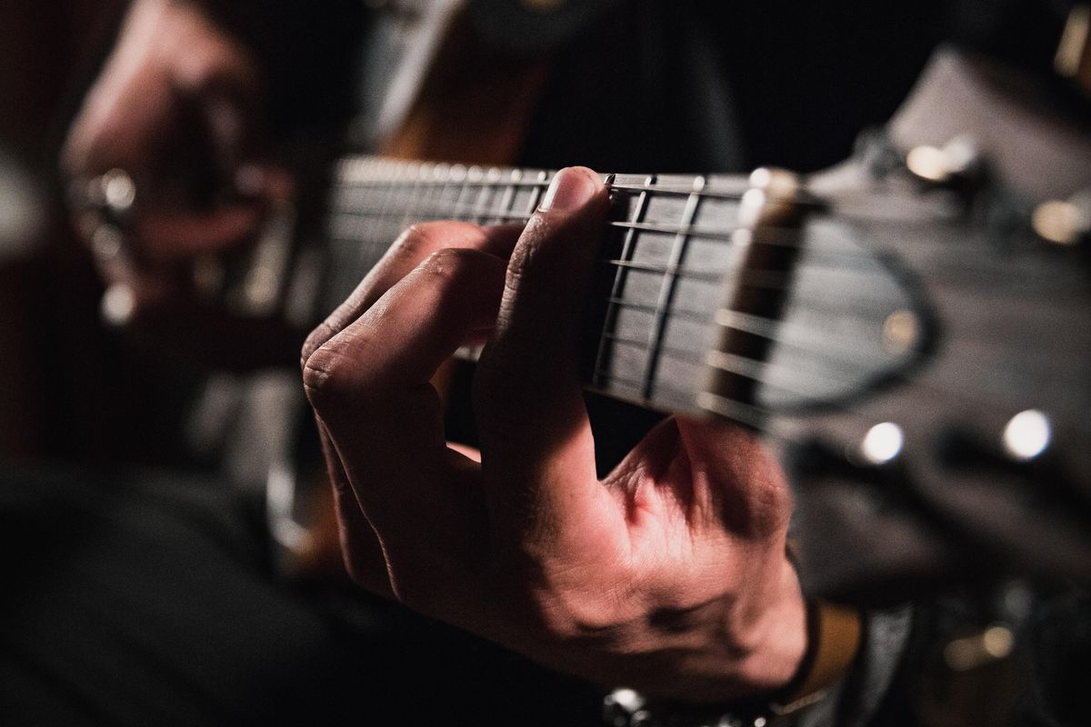 Simplest Way to Play the Cm Chord on Guitar
