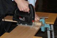 Как сделать ровный срез электролобзиком. Почему лобзик пилит криво и как это исправить