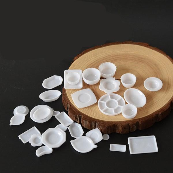 Miniature Plastic Plates
