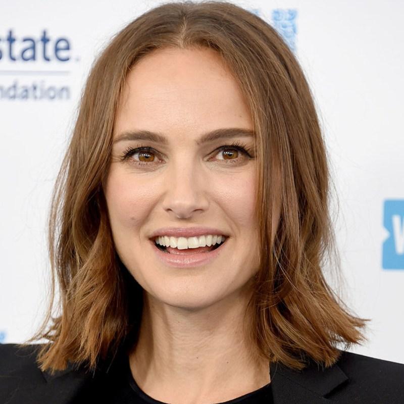 Natalie Portman se ve irreconocible con su nuevo corte de pelo