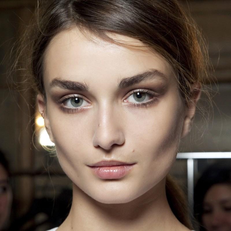 7 productos de skincare para proteger la piel de la contaminación