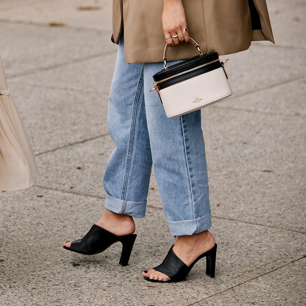 Looks con Jeans para lucir en la Oficina