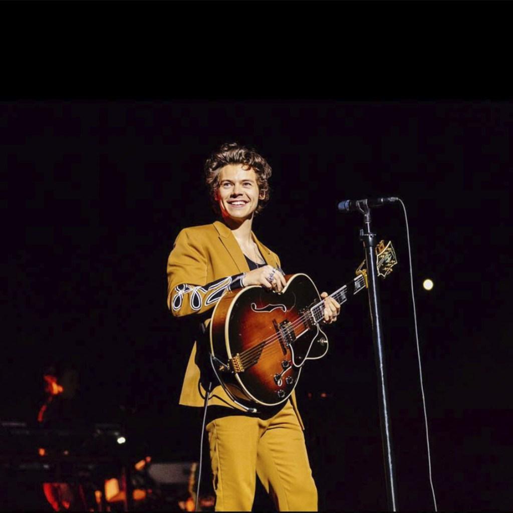 Harry Styles: sailored pants, disco nuevo y las canciones que nos urgen