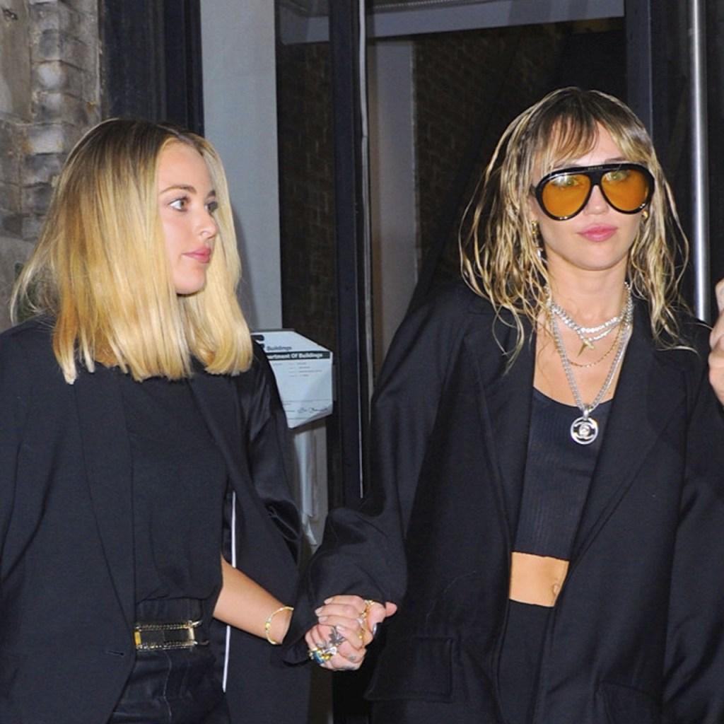 Miley Cyrus y Kaitlynn Carter coordinan outfits para su date en #NYFW