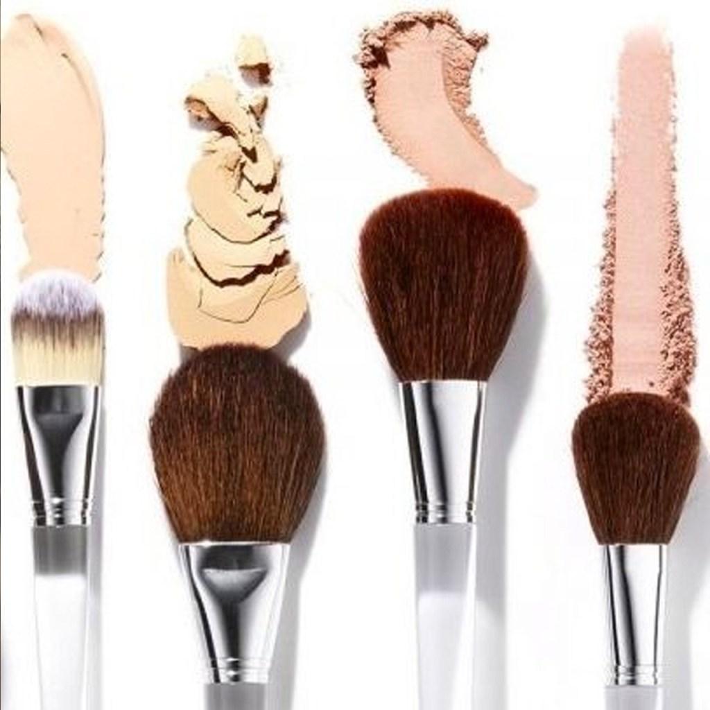 ¿Cómo y cada cuánto limpiar mis brochas de make-up?