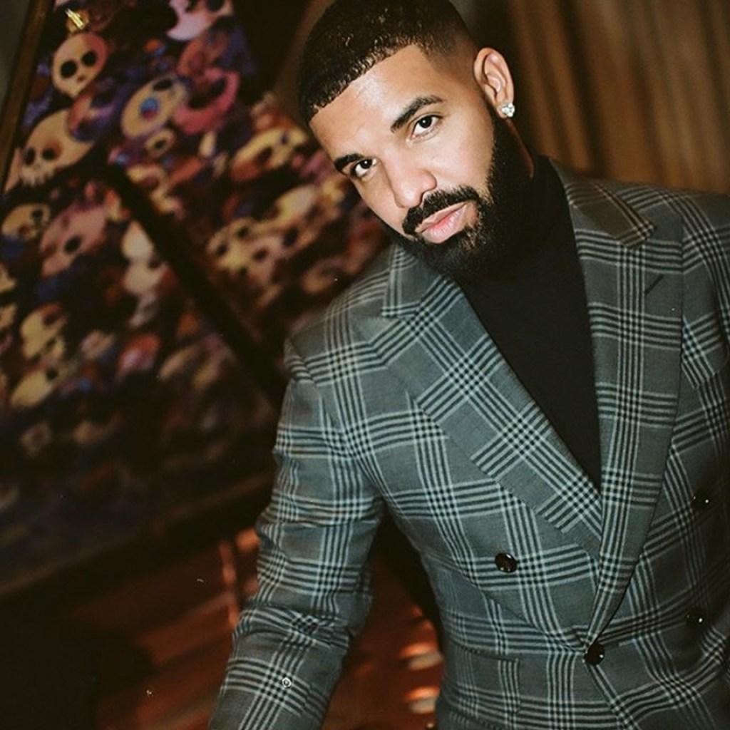 Drake compartió por primera vez fotos de su hijo