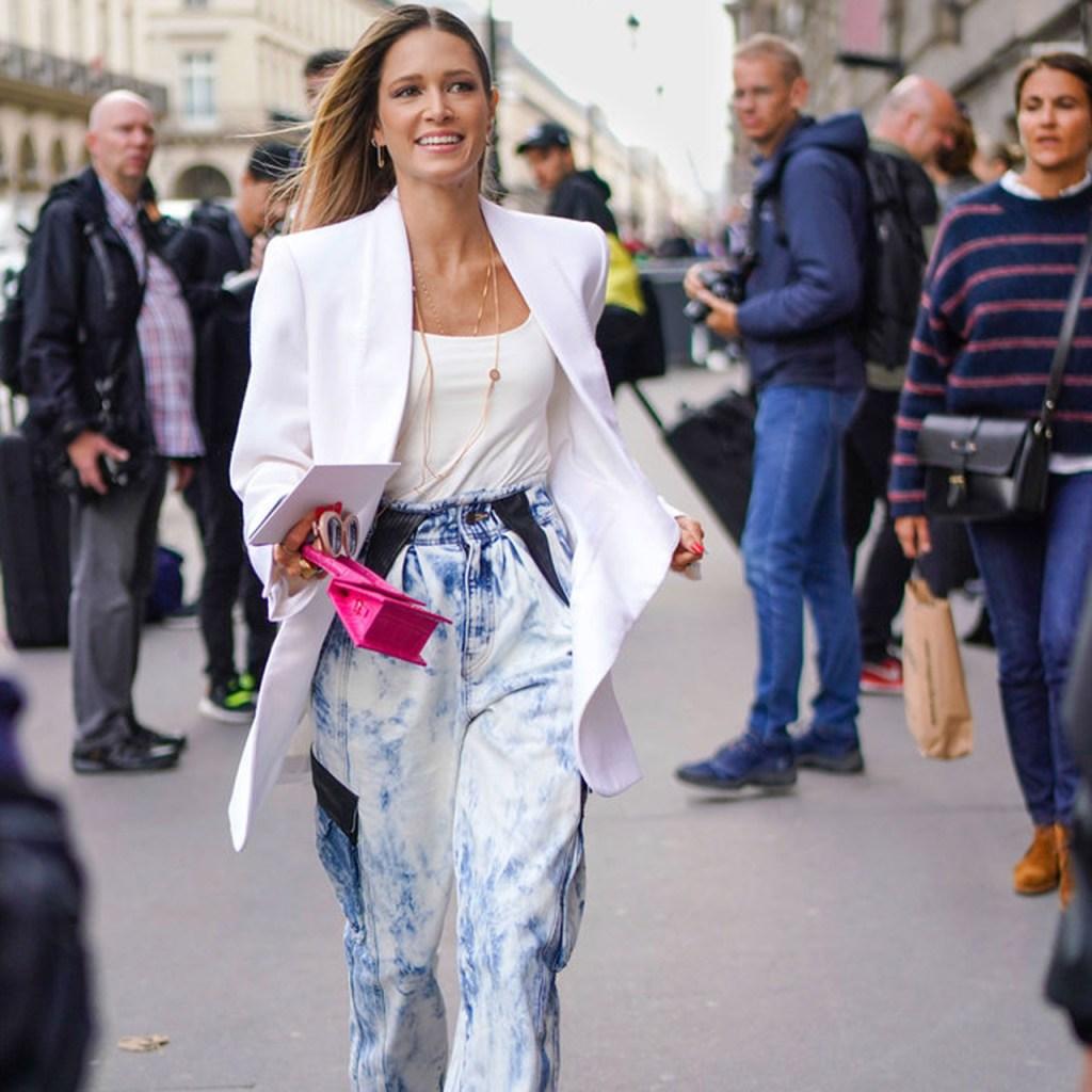 Carrot-Leg Jeans : la tendencia que deberás agregar a tu clóset