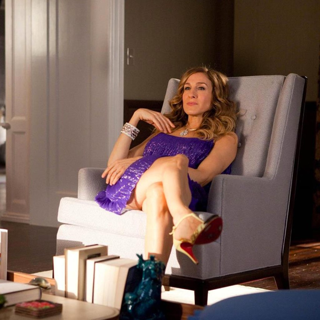 5 looks de Carrie Bradshaw que puedes recrear para tu home office