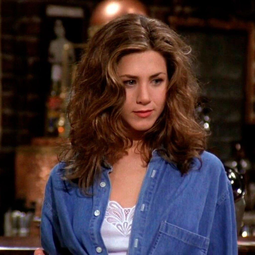 Ya puedes canalizar tu inner Rachel Green con estos lipsticks de Friends