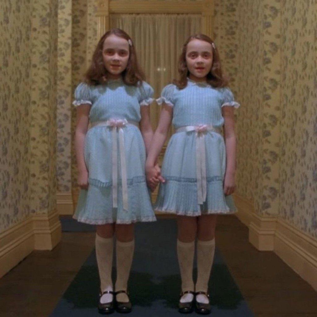 Así se ven ahora las gemelas de la película de 'The Shinning'