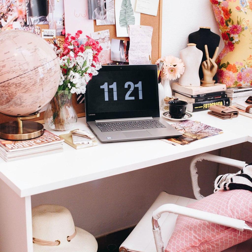 ¿Pasas casi todo el día sentada? El formato home office puede provocar acné corporal