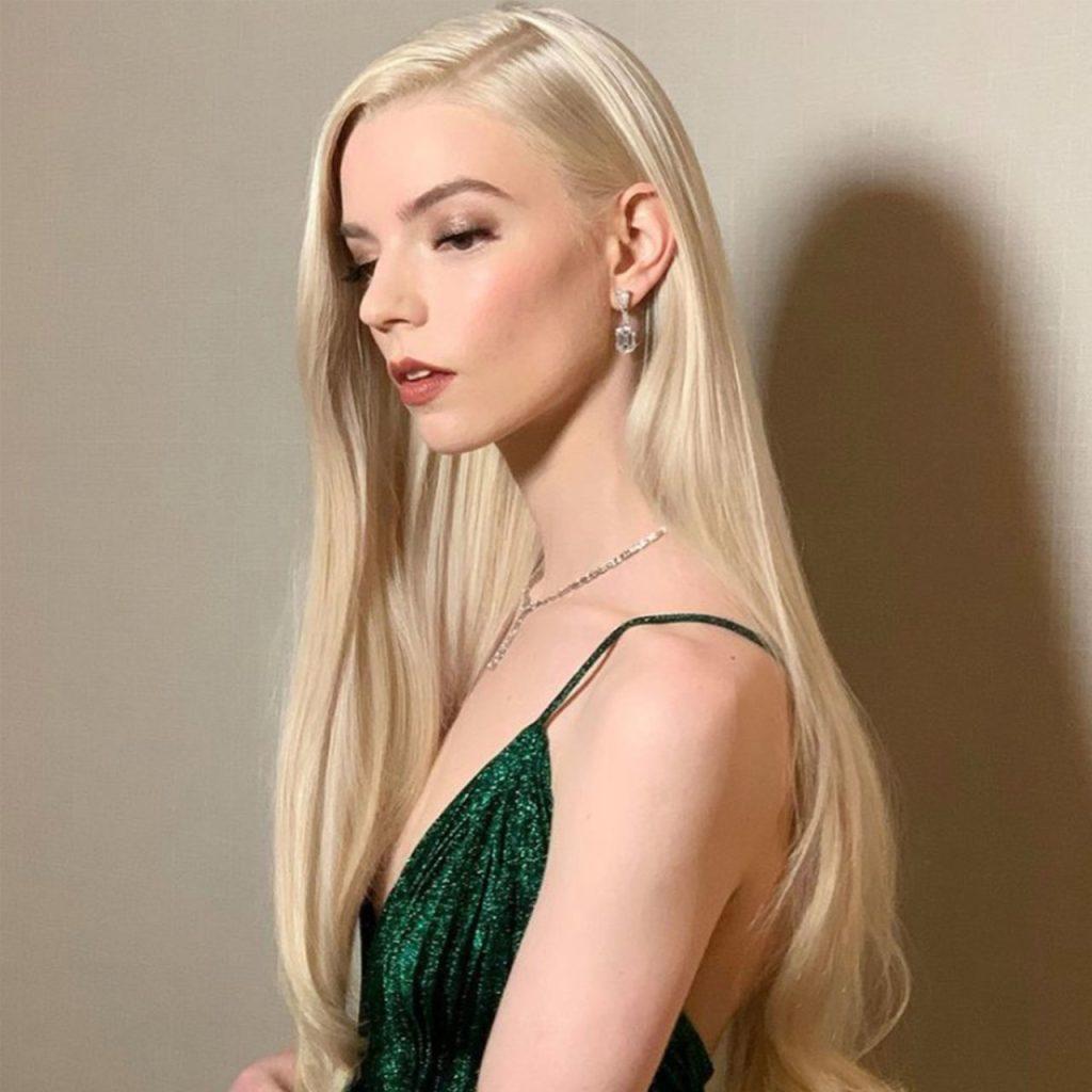 ¿Podemos hablar del beauty look de Anya Taylor-Joy en los Golden Globes?