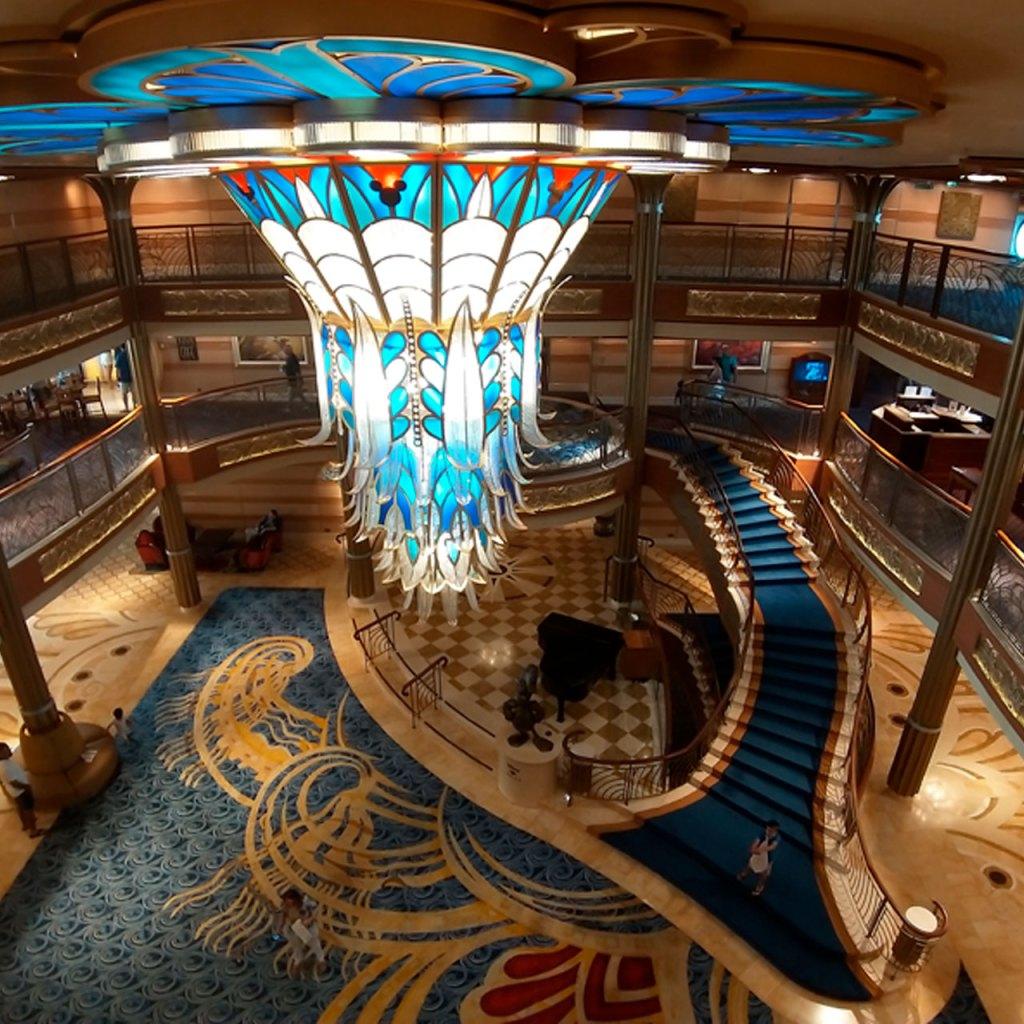 El nuevo crucero de Disney es literalmente un parque en el agua