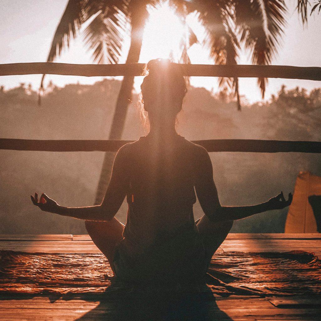 Wellness espiritual: cómo empezar y qué hacer para encontrar balance
