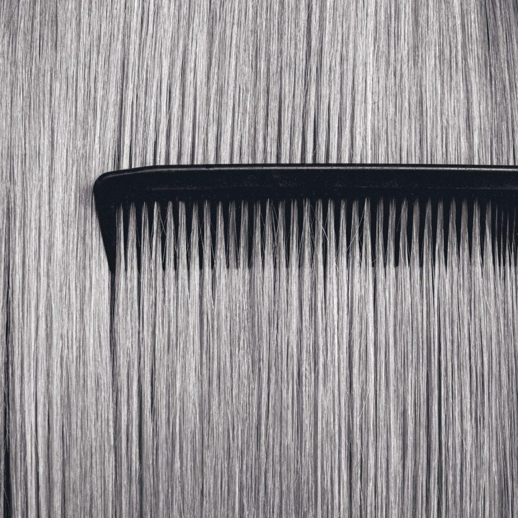 ¿Por qué se cae el pelo a raíz del COVID-19? Una dermatóloga lo explica