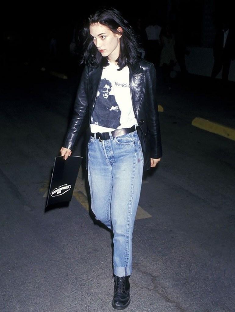 Cómo usar jeans de los 90