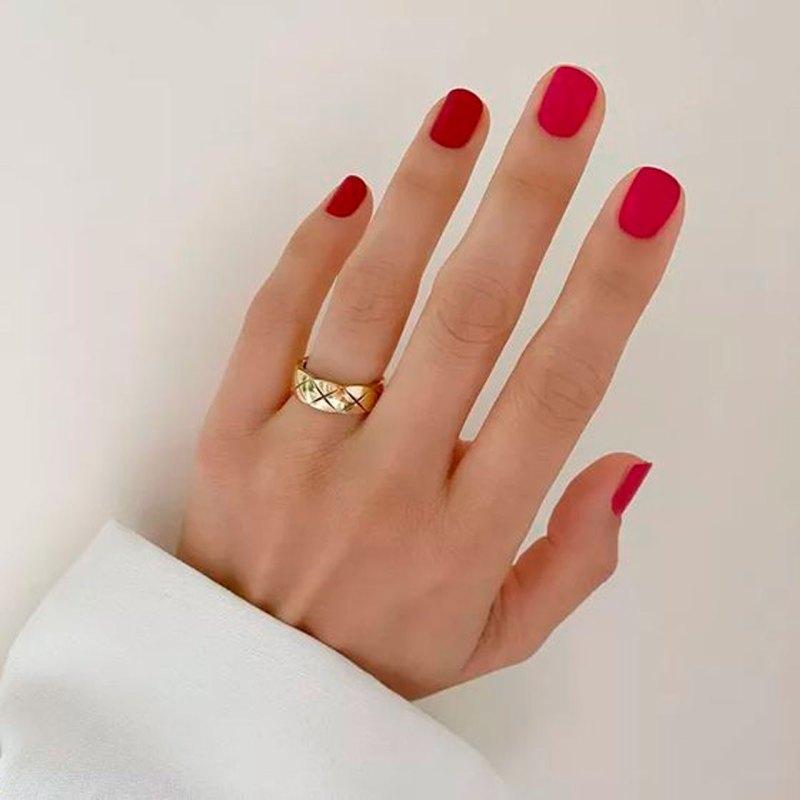Los colores de uñas que cada signo debe usar para la temporada de Virgo