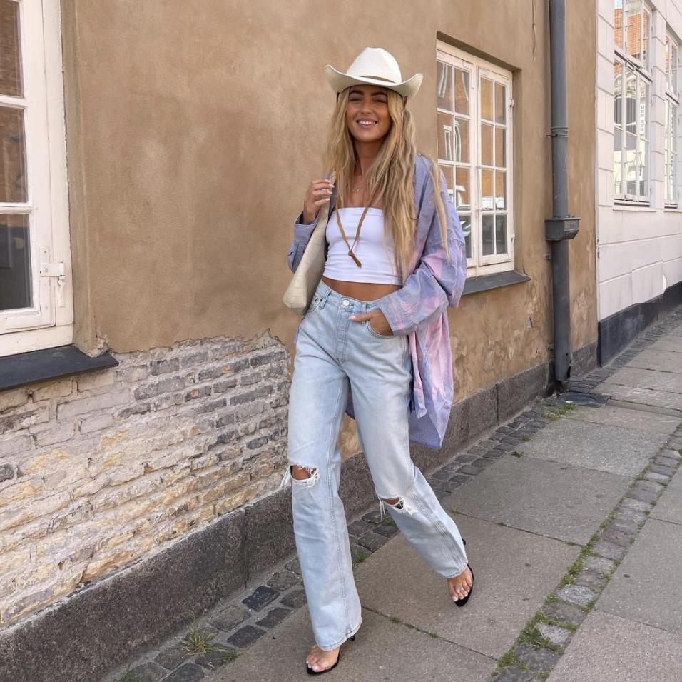 Flare jeans: los anti-skinny jeans que se convertirán en tus nuevos fav